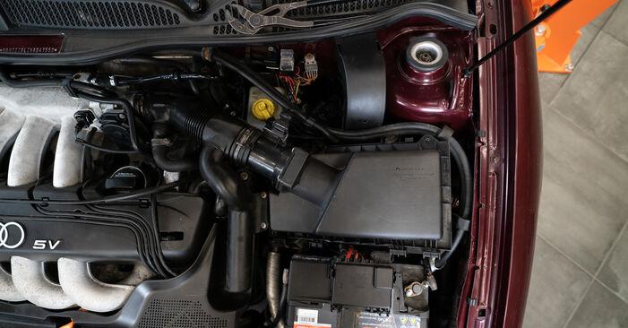 AUDI A3 S3 1.8 quattro Luftfilter ausbauen: Anweisungen und Video-Tutorials online