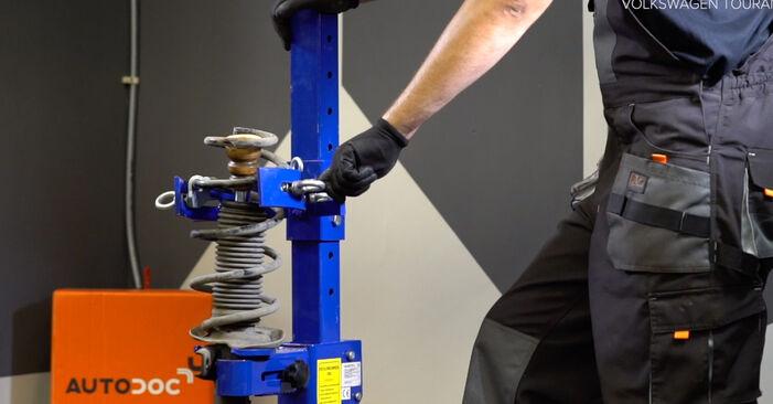 Comment retirer VW TOURAN 1.2 TSI 2014 Amortisseurs - instructions en ligne faciles à suivre