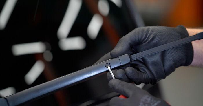 Slik skifte VW TOURAN 1.2 TSI 2014 Vindusviskere – enkle instruksjoner på nettet som er lette å følge
