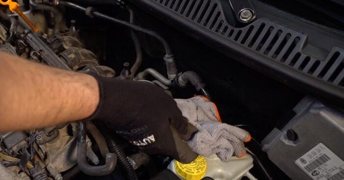 Tausch Tutorial Luftfilter am VW POLO (9N_) 2001 wechselt - Tipps und Tricks