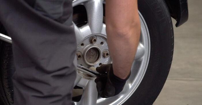 Slik bytter du MINI Hatchback (R50, R53) 1.6 Cooper 2002 Fjærer selv – trinn-for-trinn veiledninger og videoer