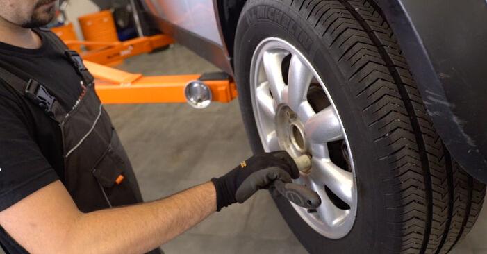 Hvordan bytte Fjærer på MINI Hatchback (R50, R53) 1.4 D One 2004 selv