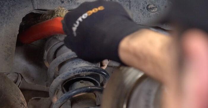 Hvordan skifte Fjærer på MINI Hatchback (R50, R53) 2006: Last ned PDF- og videoveiledninger
