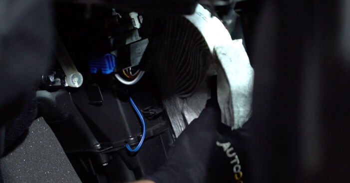 Changing of Pollen Filter on Abarth 595 2016 won't be an issue if you follow this illustrated step-by-step guide