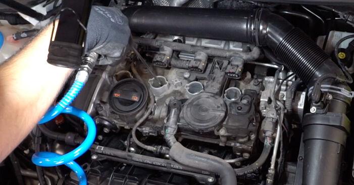 Zündkerzen beim VW GOLF 2.0 TDI 2003 selber erneuern - DIY-Manual