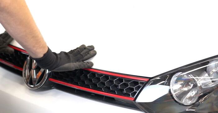 Wie VW GOLF 1.4 2012 Ölfilter ausbauen - Einfach zu verstehende Anleitungen online