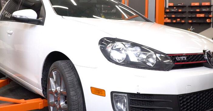 Changer Amortisseurs sur VW GOLF VI (5K1) 2.0 GTi 2007 par vous-même