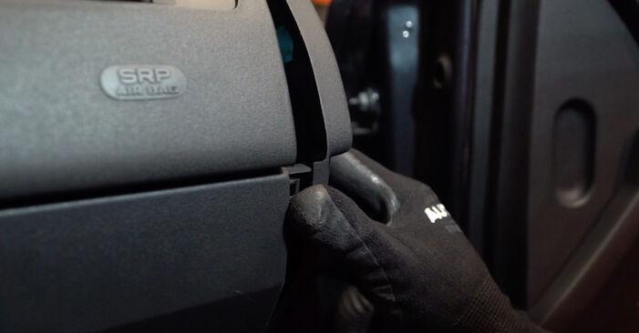 MEGANE II Saloon (LM0/1_) 1.4 2012 Interieurfilter handleiding voor het doe-het-zelf vervangen