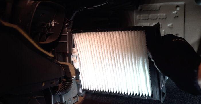 RENAULT MEGANE 2008 Interieurfilter stapsgewijze handleiding voor vervanging