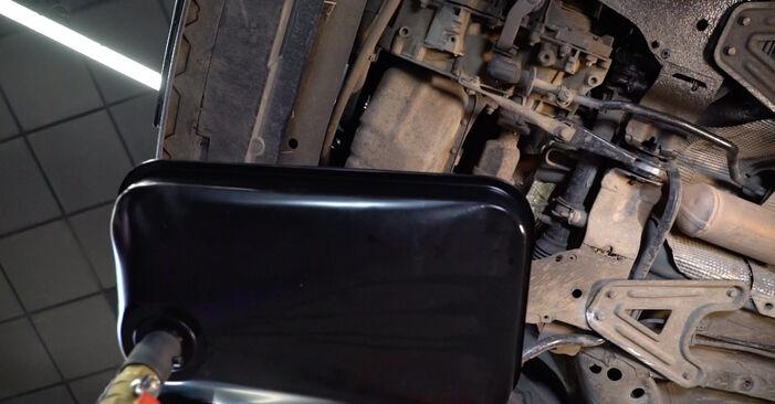 Ölfilter Ihres Renault Kangoo kc01 D 65 1.9 2005 selbst Wechsel - Gratis Tutorial