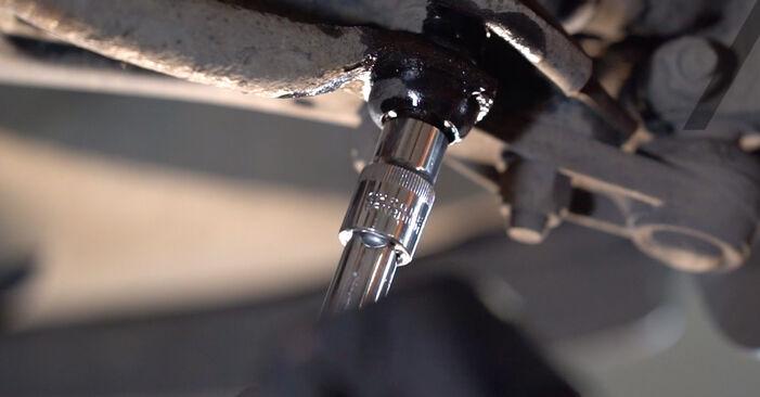Wie schwer ist es, selbst zu reparieren: Koppelstange Renault Kangoo KC 1.9 dTi 2003 Tausch - Downloaden Sie sich illustrierte Anleitungen