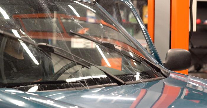 Wie schwer ist es, selbst zu reparieren: Scheibenwischer Renault Kangoo KC 1.9 dTi 2003 Tausch - Downloaden Sie sich illustrierte Anleitungen