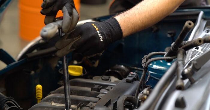 Zündkerzen Ihres Renault Kangoo KC D 65 1.9 2005 selbst Wechsel - Gratis Tutorial