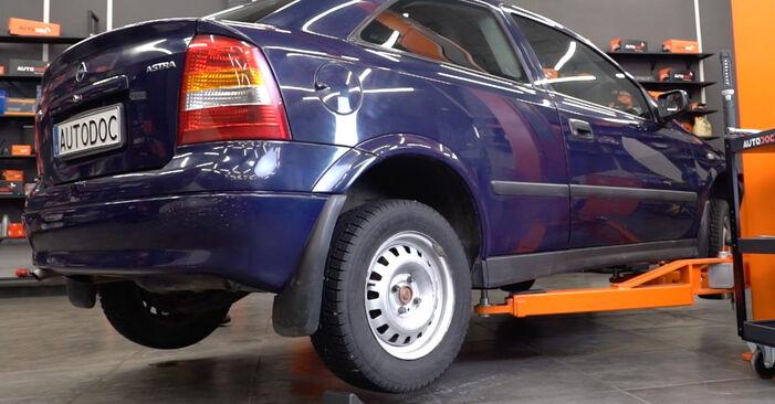 Opel Astra g f48 1.6 (F08, F48) 2000 Amortisseurs remplacement : manuels d'atelier gratuits