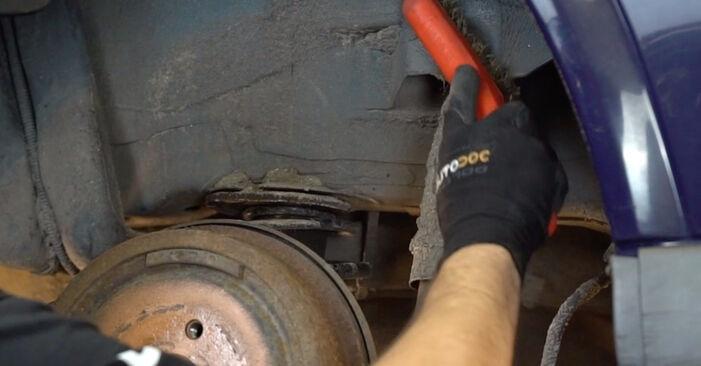 À quel point est-il difficile de le faire soi-même : télécharger le guide illustré pour le changement de Amortisseurs sur Opel Astra g f48 2.0 DI (F08, F48) 2004