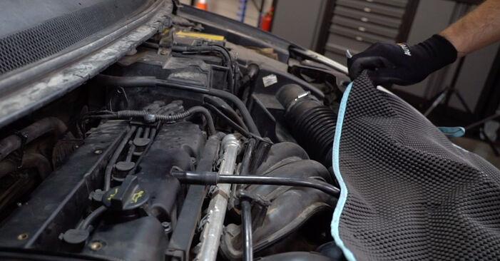 Bytte Tennplugger på Ford Focus mk2 Sedan 2003 1.6 TDCi alene