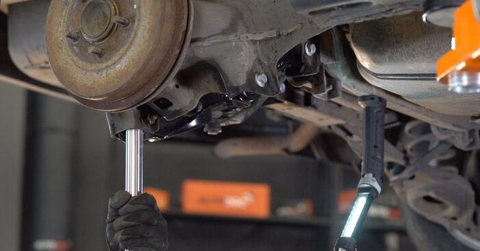 Wie lange braucht der Teilewechsel: Federn am Ford Focus mk2 Limousine 2006 - Einlässliche PDF-Wegleitung