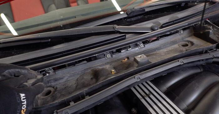 Innenraumfilter Ihres BMW e46 Cabrio 330Ci 3.0 2000 selbst Wechsel - Gratis Tutorial