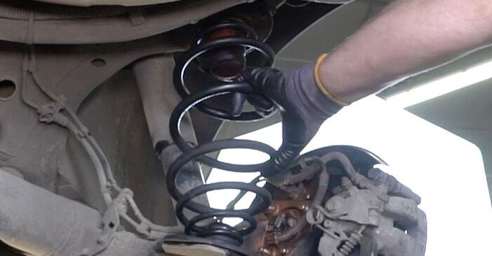 Tausch Tutorial Federn am BMW 3 Limousine (E90) 2008 wechselt - Tipps und Tricks