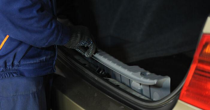 Schritt-für-Schritt-Anleitung zum selbstständigen Wechsel von BMW E90 2009 325i 2.5 Stoßdämpfer