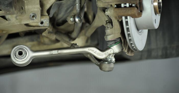 Wymień samodzielnie Amortyzator w BMW E90 2006 320d 2.0