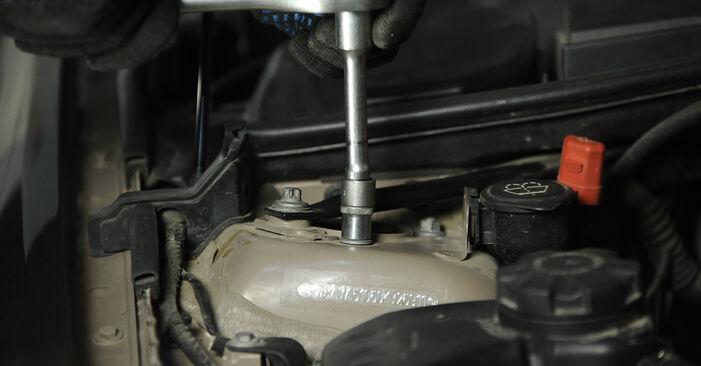 Wymień samodzielnie Amortyzator w BMW 3 Sedan (E90) 318i 2.0 2007