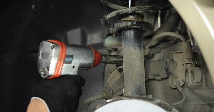 Jak zdjąć BMW 3 SERIES 325i 2.5 2008 Amortyzator - łatwe w użyciu instrukcje online