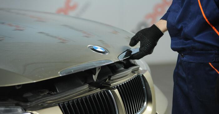 Austauschen Anleitung Bremsbeläge am BMW E90 2006 320d 2.0 selbst