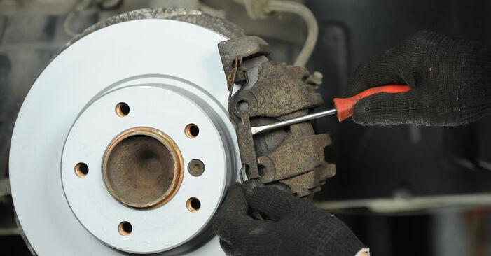 Bremsbeläge am BMW 3 Limousine (E90) 330d 3.0 2009 wechseln – Laden Sie sich PDF-Handbücher und Videoanleitungen herunter