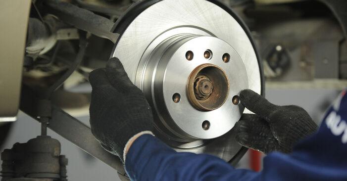 Wie Bremsscheiben BMW E90 320d 2.0 2004 tauschen - Kostenlose PDF- und Videoanleitungen
