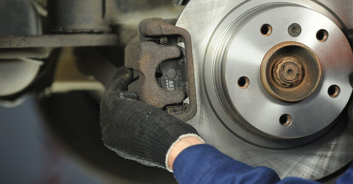 Tausch Tutorial Bremsscheiben am BMW 3 Limousine (E90) 2008 wechselt - Tipps und Tricks