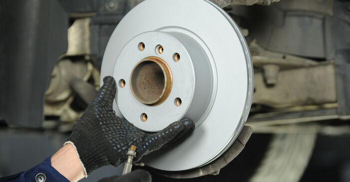 Slik bytter du BMW 3 Sedan (E90) 320d 2.0 2005 Bremseskiver selv – trinn-for-trinn veiledninger og videoer