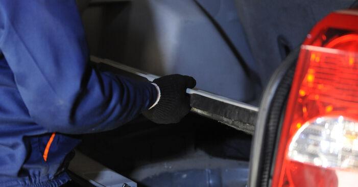 Slik bytter du BMW 3 Sedan (E90) 320d 2.0 2005 Luftfilter selv – trinn-for-trinn veiledninger og videoer