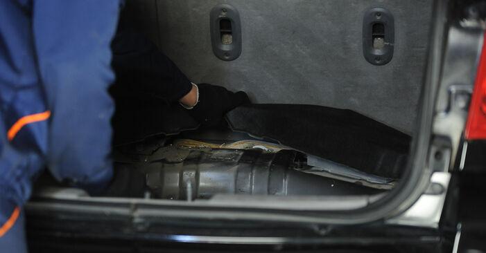 Bytte BMW E90 320i 2.0 2006 Luftfilter: gratis verkstedsveiledning