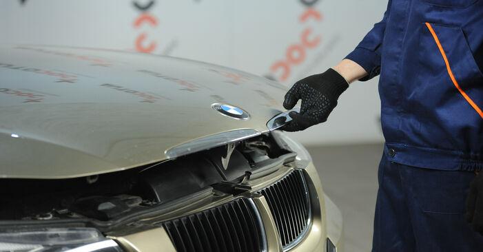 Hvordan skifte Luftfilter på BMW 3 Sedan (E90) 2009: Last ned PDF- og videoveiledninger