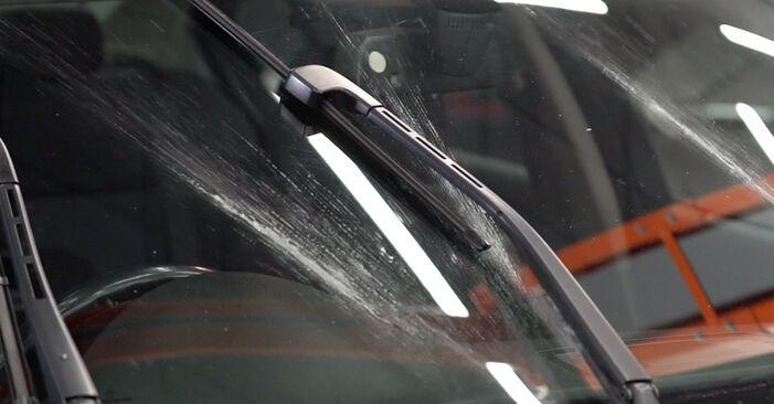 Hvordan skifte BMW 3 SERIES 2011 Vindusviskere trinn–for–trinn veiledning