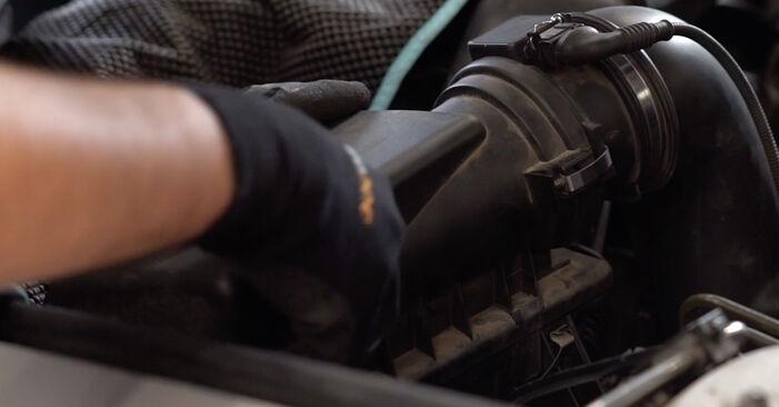 BMW X5 4.8 is Luftfilter ausbauen: Anweisungen und Video-Tutorials online
