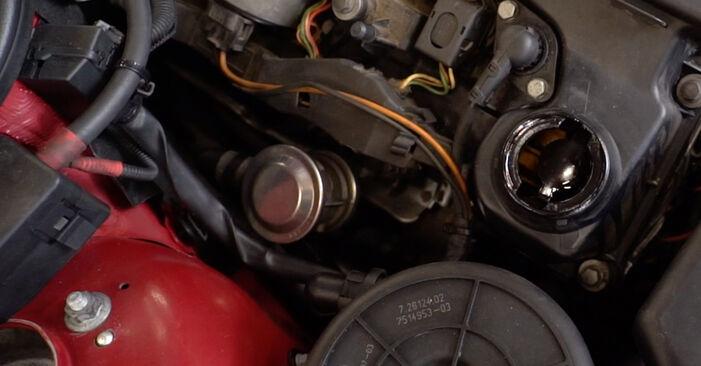 BMW 3 SERIES 320Ci 2.2 Zündkerzen ausbauen: Anweisungen und Video-Tutorials online