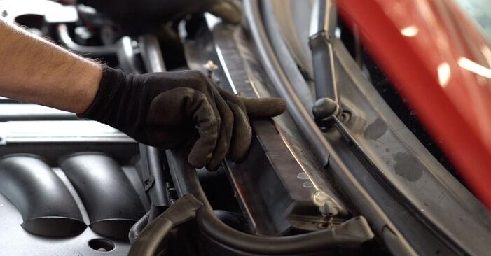 Zündkerzen BMW e46 Cabrio 325Ci 2.5 2002 wechseln: Kostenlose Reparaturhandbücher