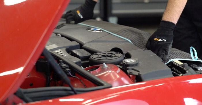 Wie Ölfilter BMW 3 Cabrio (E46) 320Ci 2.2 2001 austauschen - Schrittweise Handbücher und Videoanleitungen
