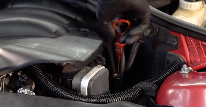 Austauschen Anleitung Ölfilter am BMW e46 Cabrio 2002 330Ci 3.0 selbst