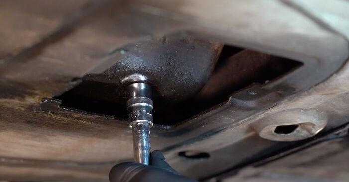 Wie BMW 3 SERIES 323Ci 2.5 2004 Ölfilter ausbauen - Einfach zu verstehende Anleitungen online