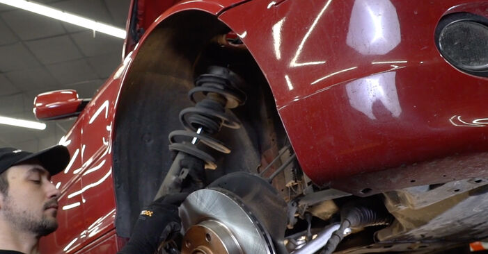 Changing Shock Absorber on BMW 3 Convertible (E46) 318Ci 2.0 2003 by yourself