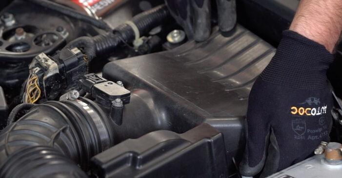 Luftfilter Ihres Honda Accord VIII CU 3.5 i 2016 selbst Wechsel - Gratis Tutorial