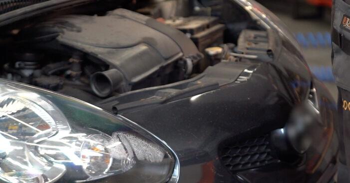 Hvordan skifte Støtdemper på Toyota Aygo ab1 2005 – gratis PDF- og videoveiledninger