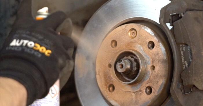 Bytte Toyota Aygo ab1 1.4 HDi 2007 Støtdemper: gratis verkstedsveiledning
