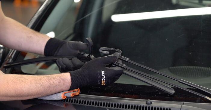 Toyota Aygo AB10 1.4 HDi 2007 Tergicristalli sostituzione: manuali dell'autofficina