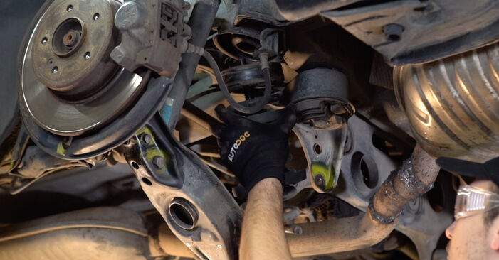 Wie Federn Mercedes W210 E 300 3.0 Turbo Diesel (210.025) 1996 tauschen - Kostenlose PDF- und Videoanleitungen