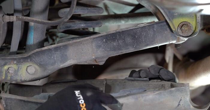 Wie schwer ist es, selbst zu reparieren: Federn Mercedes W210 E 240 2.4 (210.061) 2002 Tausch - Downloaden Sie sich illustrierte Anleitungen
