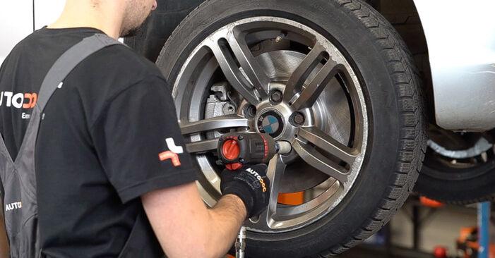 Wie schwer ist es, selbst zu reparieren: Federn BMW E46 Touring 330xd 2.9 2005 Tausch - Downloaden Sie sich illustrierte Anleitungen